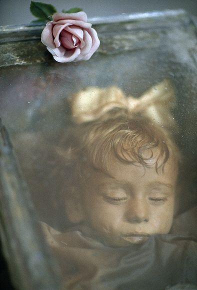 https://goodmorningumbria.wordpress.com/2014/06/15/sleeping-beauty-il-caso-di-rosalia-lombardo-la-piccola-mummificata-a-palermo/